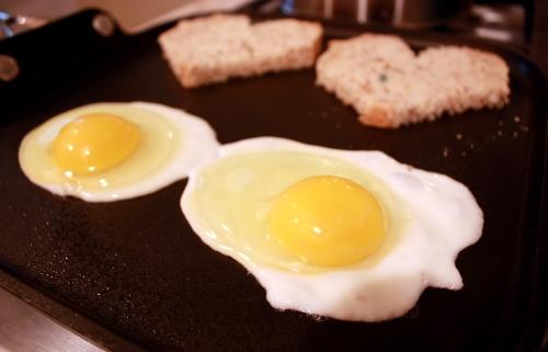 heart_eggs1